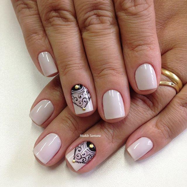 Nails #linda #arabescos #mimo #naoéadesivo #tudofeitoamaolivre #traçolivre #amooquefaço #madahsantana #manicure #nailart ❤️