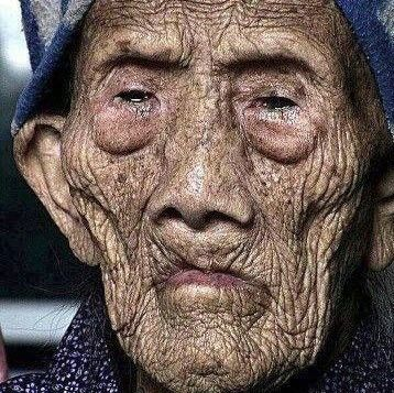 oldest woman of world A chinese woman born in 1885 and still alive! - 127 year old