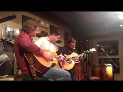 Douwe Bob, Maurice van Hoek, Ronnie Snippe - YouTube