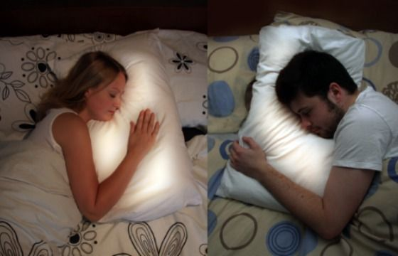 The pillow uses a wireless connection between long distances & works with a ring that is worn while sleeping. When your lover/friend, wherever they are, goes to bed, your pillow lights up with a soft glow and transmits the sound of their heartbeat in real time. That is so cool!!