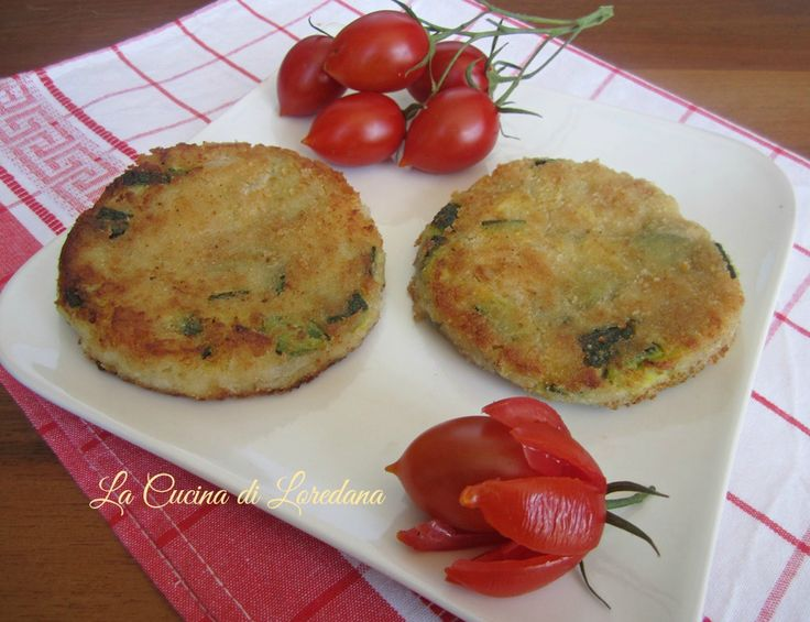 Semplici e deliziosi Hamburger di Zucchine ideali per un secondo piatto gustoso e saporito o anche per farcire un panino tutto vegetariano