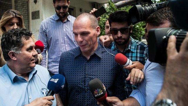 Greek finance minister Yanis Varoufakis resigns despite referendum no vote | World news | The Guardian