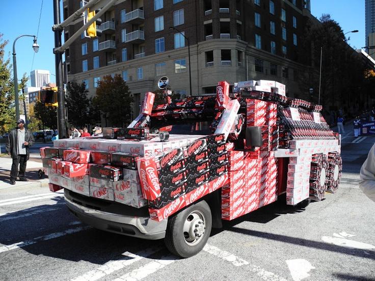 Veterans Day Parade in Atlanta   Stratford Arms Apartments