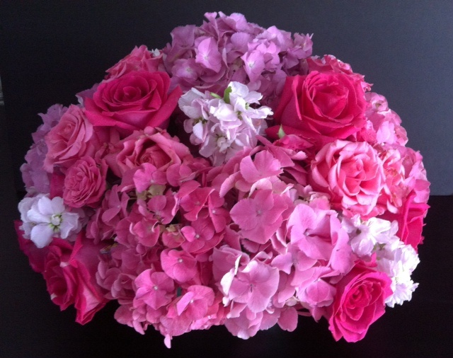 Shades of pink fresh flower centerpiece
