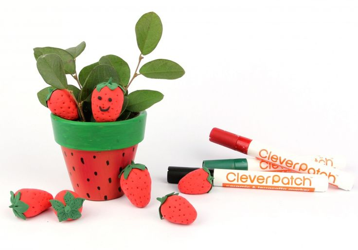 This pot is BERRY cute, and easy to decorate! Full instructions here!