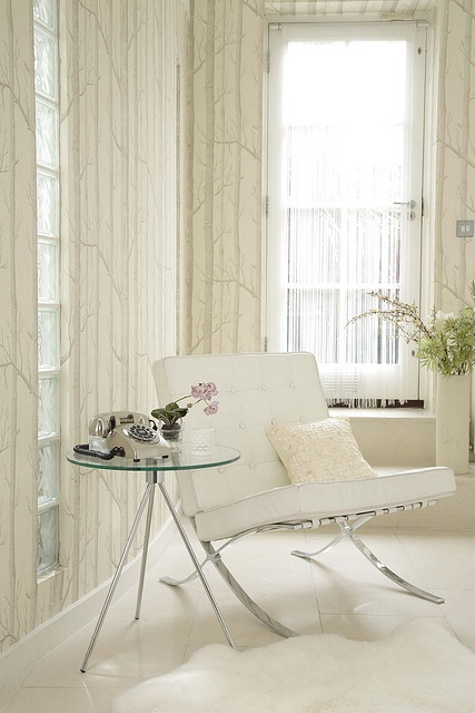 Hollywood by Sussie Bell, white woods wallpaper by Cole & Son