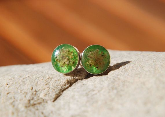 Green sterling silver earrings dried flowers by BalanceAtelier