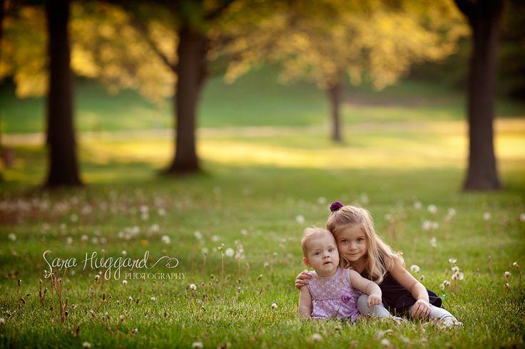 outdoor children photography metro Detroit photographer www.sarahuggardphotography.com https://www.facebook.com/SaraHuggardPhotography