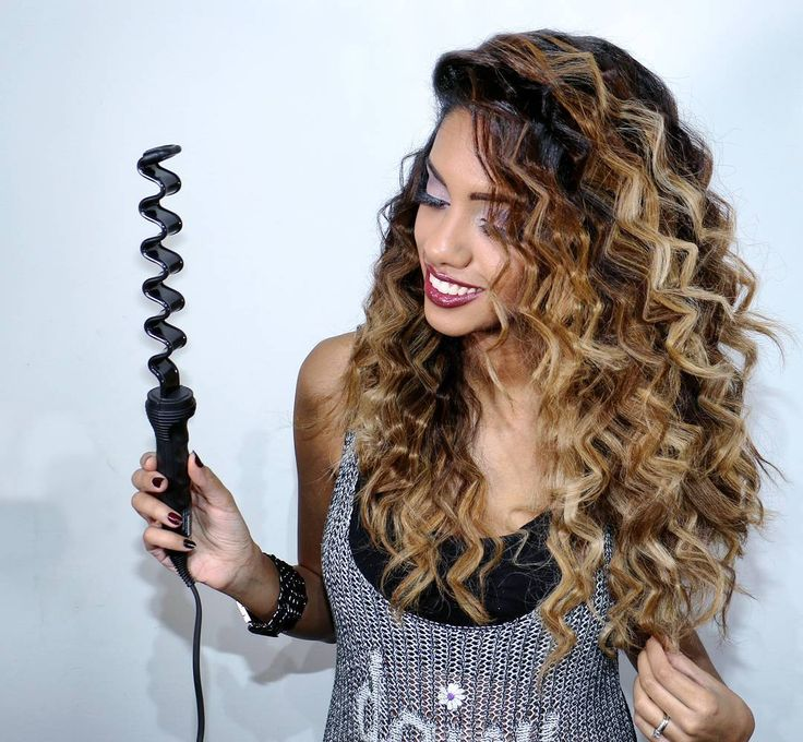 A fun approach to crimping hair with @glampalmusa Zig-Zag Texture Iron.  Tutorial is one post before this!