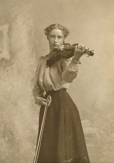 vintage everyday: Music in Victorian Era – Vintage Pictures of Women Playing…