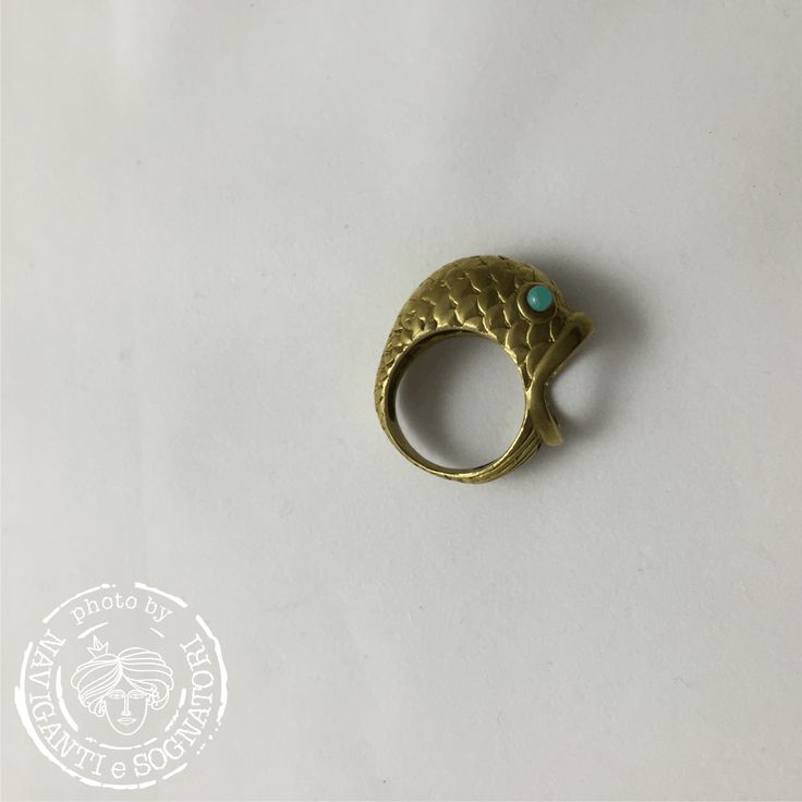 Anello-pesce dagli occhi blu.... [di Carla Perretti] #ring #accessories #carlaperretti