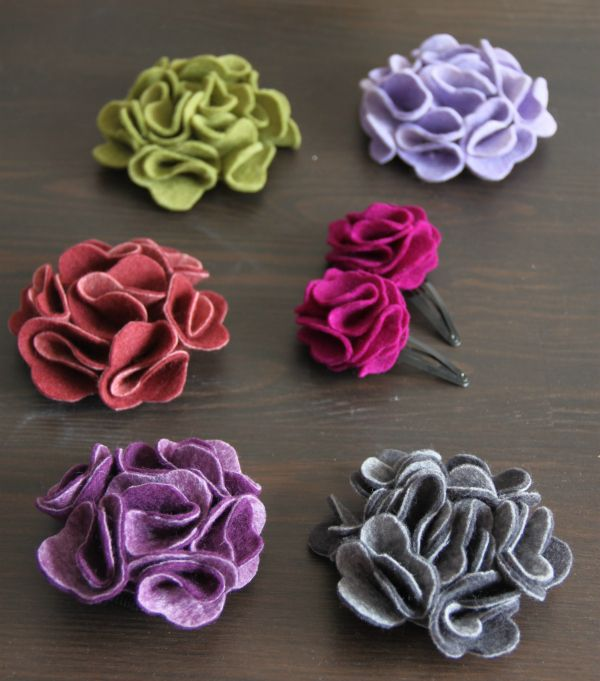 Felt flowers - tutorials from lifeinlutherville and theaccidentalcrafter