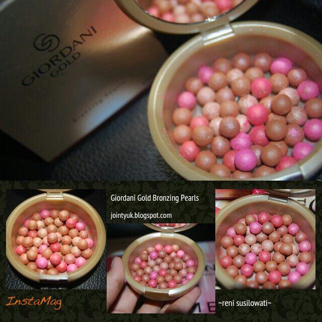 Giordani Gold Bronzing Pearls Terdapat 3 jenis pilihan : 1. Natural Radience ( 21632 ), dengan butiran berwarna pink kecoklatan. 2. Natural Bronze ( 21633 ), dengan butiran berwarna kecoklatan. 3. Natural Peach ( 23763 ), dengan butiran berwarna orange, peach yang lembut.  #OriflameId #makeup