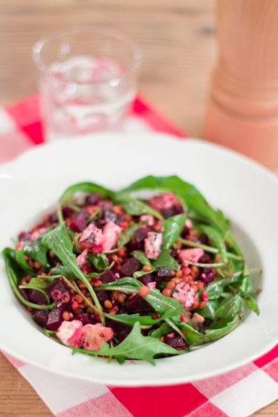 Lentil, beet and blue cheese salad [Läätse-peedi salat sinihallitusjuustuga] (by Merit @ Hea Toit. Recipe in Estonian)