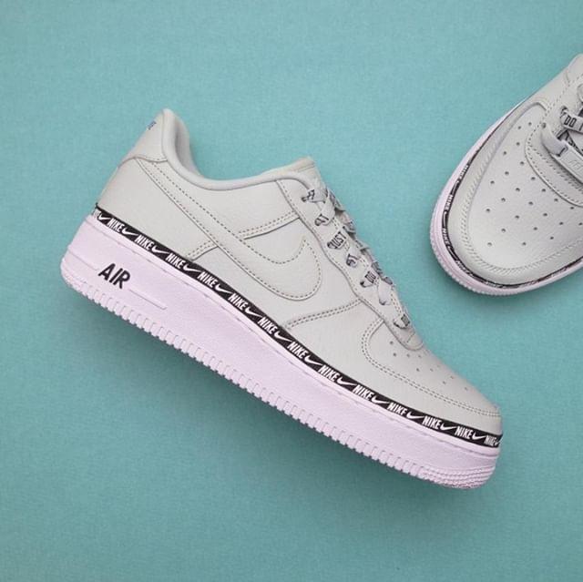 Nike Wmns Air Force 1 ´07 SE Premium ( AH6827 003