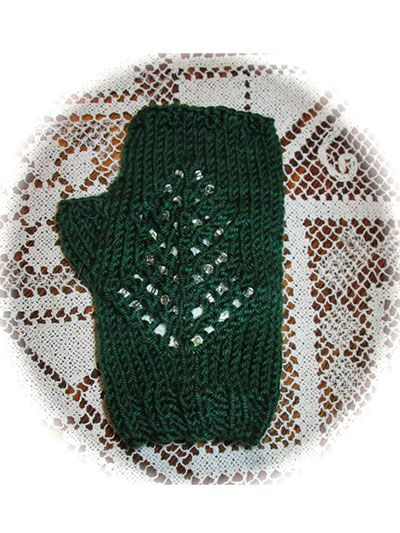 Knitting Pattern Central Christmas : 63 best images about Knitting Hat, Gloves & Scarf Pattern ...