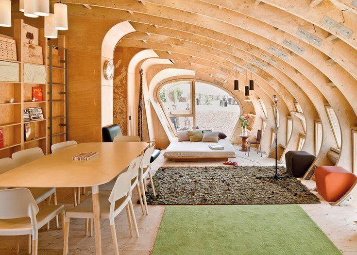 Bendy house: Green Houses, Living Rooms, Dreams Houses, Houses Interiors, Fashion Style, Tiny Houses, Houses Ideas, Nano Houses, Fablab Houses