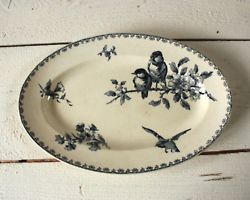 sweet and rustic.      blue and white transferware dishes   collect****