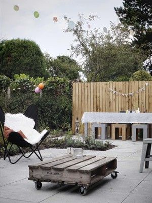 tuinfeest | party time in the garden | fence | outdoor coffee table | terrace |