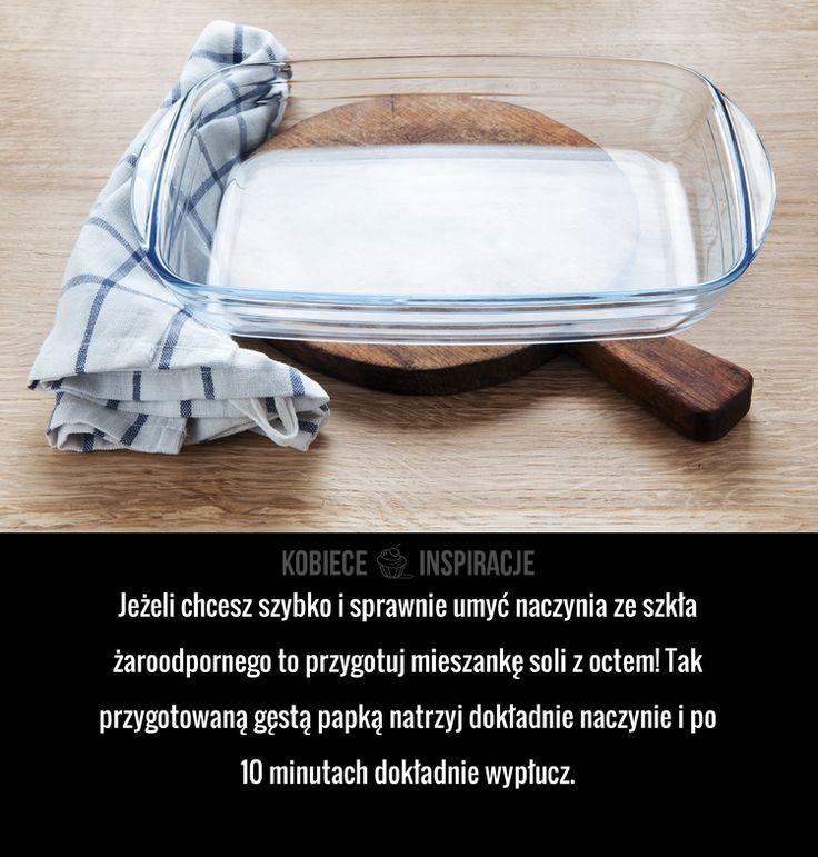 Jeżeli chcesz szybko i sprawnie umyć naczynia ze szkła żaroodpornego to przygotuj mieszankę soli z octem! Tak przygotowaną gęstą papką ...