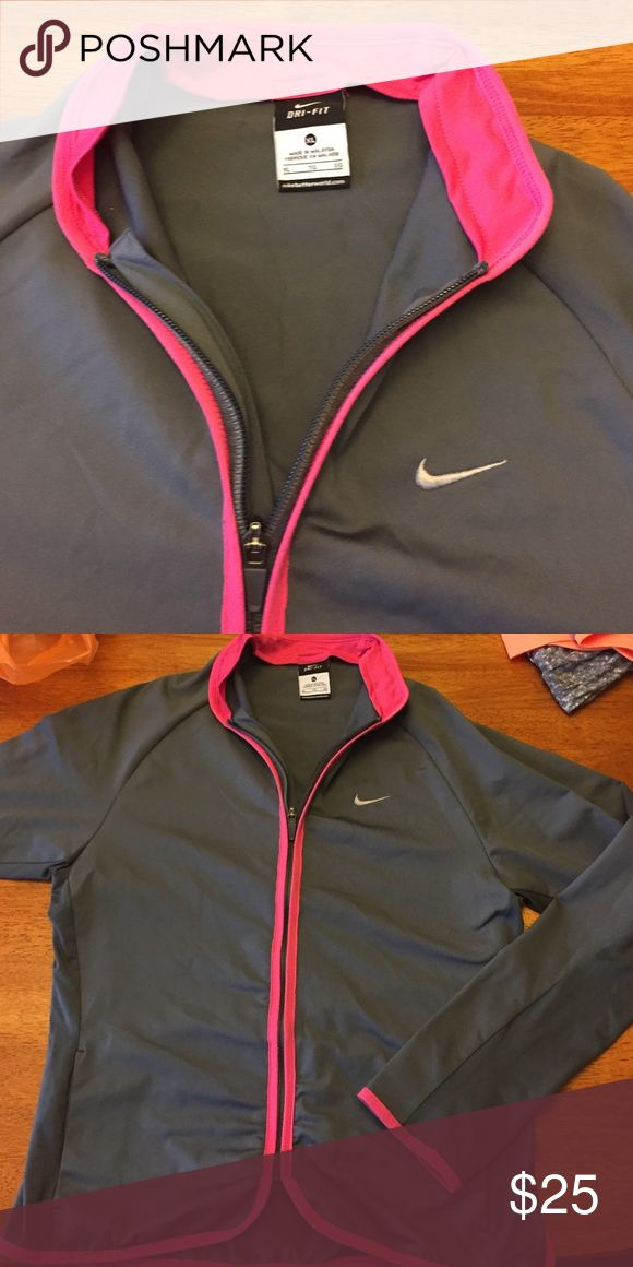 Nike jacket Has been worn. But still in great condition. Xl in girl sizes but fits like a small for women Nike Jackets & Coats