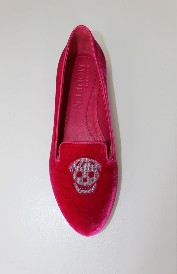 Alexander McQueen Skull Loafer #style #luxury #alexandermcqueen. Buy online at kingsburry.ca or in store!