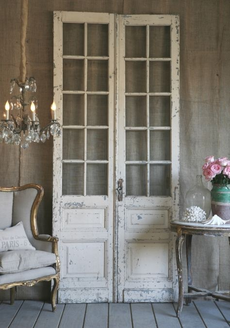 scrumptious doors...I think I am infatuated with doors for any purpose of decorating. Headboards, tables, wall decor, etc.