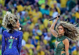 30-Jun-2014 7:05 - JENNIFER LOPEZ WIL ALLEEN ZIJN. Jennifer Lopez zegt dat ze alleen wil zijn na haar breuk met Casper Smart. Aan het televisiestation Extra maakt ze duidelijk dat het aangaan van een nieuwe relatie geen prioriteit heeft.