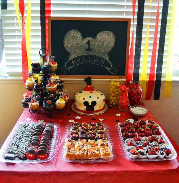 Mickey Mouse dessert bar I made :)