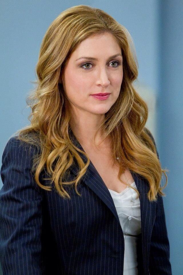 Sasha Alexander as Maura Isles / Love the hair!!