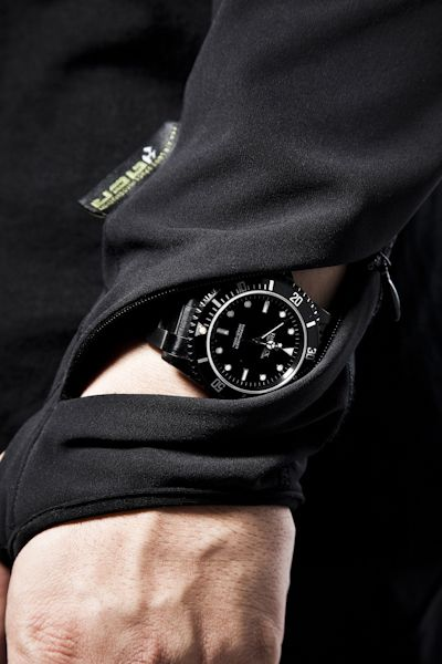 tech_spec http://www.thesterlingsilver.com/product/casio-mens-watch-ga-110ts-1a4er/