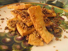 Tiras de tofu crocante com sementes de sésamo