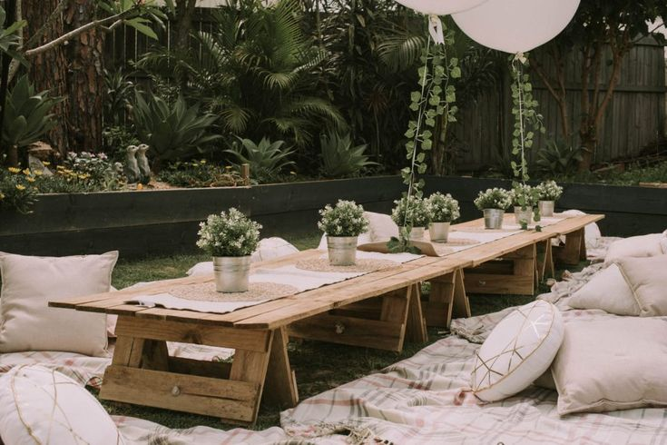 Styled picnic hire from www.lovelyoccasions.com.au for Bowie's First Birthday