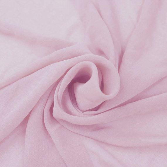 Mousseline de soie rose lt solide Hi-Multi lavé tissu by the Yard - Style 501  Lt solide Hi-Multi mousseline de Soie lavée tissu rose par lyard, en vrac ou en gros.  Ce tissu transparent de couleur unie est très élégant et a lamélioration de leffet lavé. Leffet lavé donne une texture supplémentaire sur le tissu solid qui créent un look élégant et flowy et ajoute dans lillusion dêtre très venteux  Texture pure de Salut-Multi mousseline rend un excellent choix pour les robes, chemisiers, jupes…