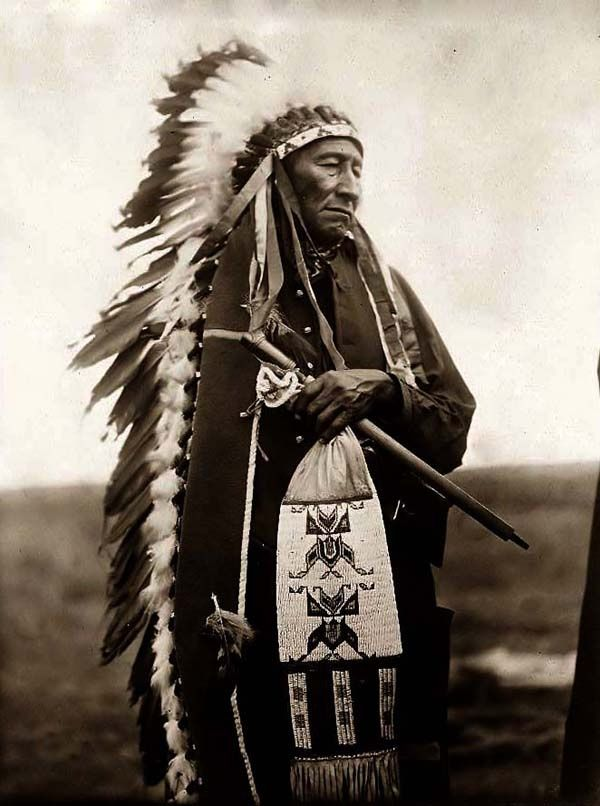 Here we present a rare image of Stinking Bear. It was taken in 1905 by Edward S. Curtis.
