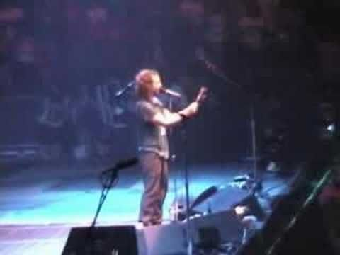 Ed Vedder with Rolling Stone Magazine, hm not happy