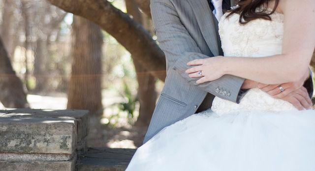 Descubre la delicadeza con la que trabajamos tu vestido de novia http://ow.ly/WpB5F   #tiendadenoviasPalma #weddingdresses #Mallorca