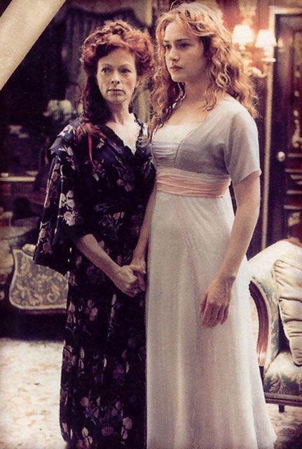 Rose ao lado de sua mãe foto do filme