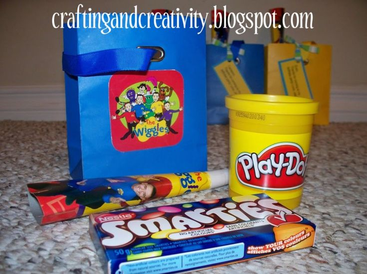 Crafting and Creativity: boy's 2nd birthday party- Wiggles theme