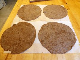 Lenmaglisztből készült tortilla