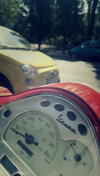 Italian style. Vespa & Fiat 500