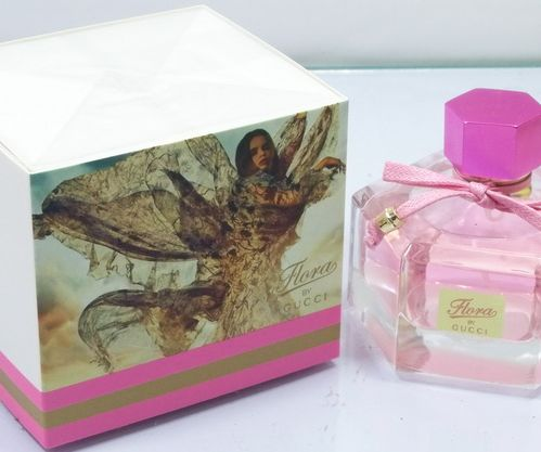 Gucci flora růžová 100 ml #http://pinterest.com/savate1/boards/ Queen of the floral kingdom, please accept Elixir fragrance Gucci Flora