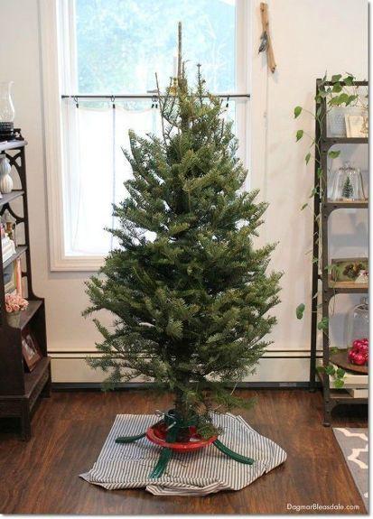 35++ Fake christmas tree stand trends