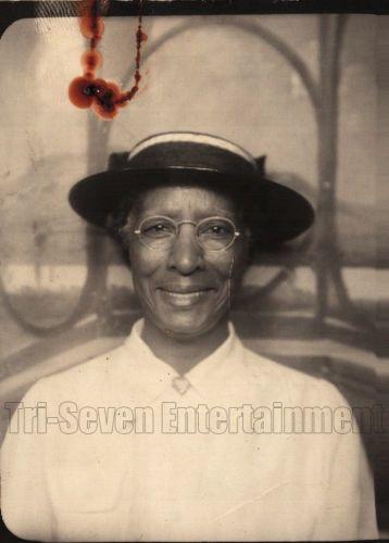 american olderwoman