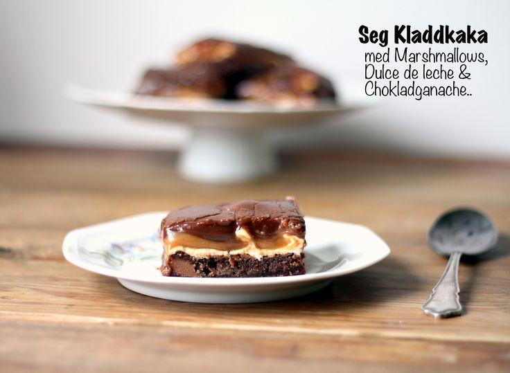 Seg kladdkaka med marshmallows, dulce de leche och chokladganache