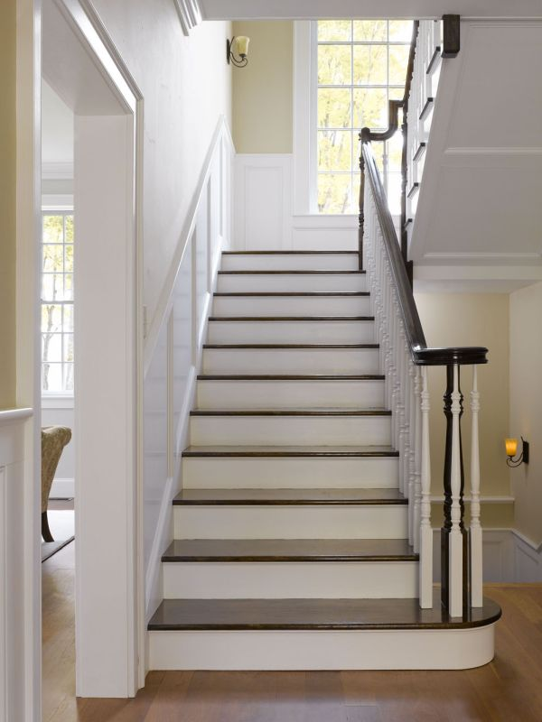 Stairs with lvely warm neutral tones and crisp black and white