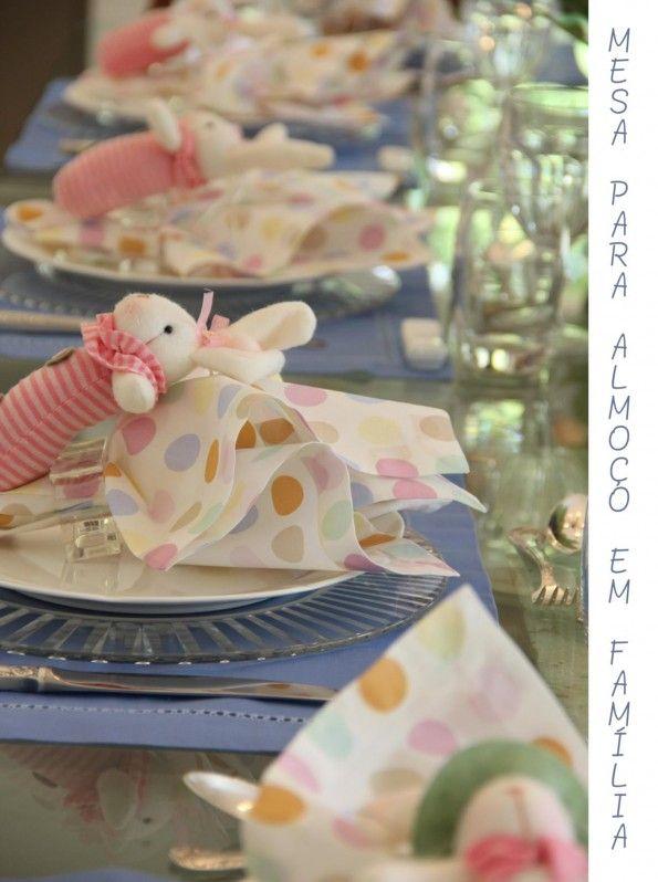 Linda mesa de Páscoa