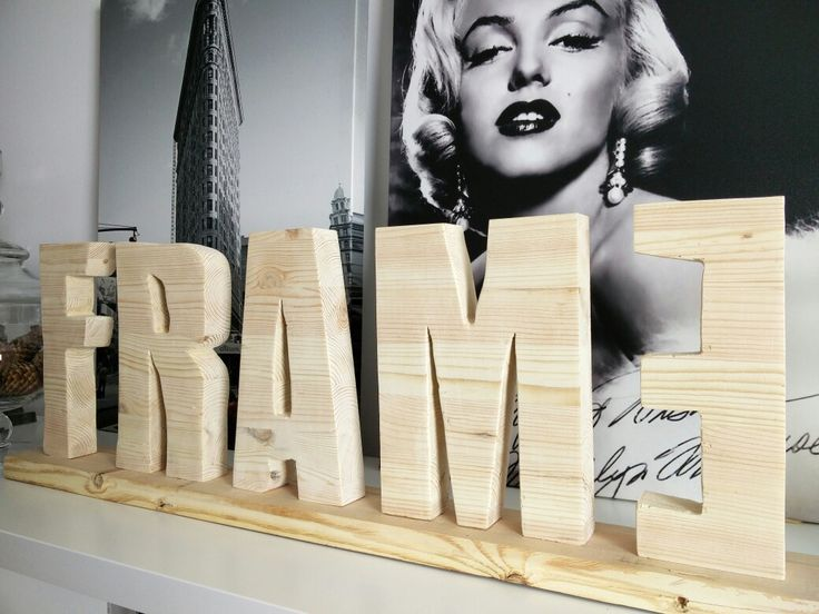 #frame issue 2 Wood stand. World wide movie premiere