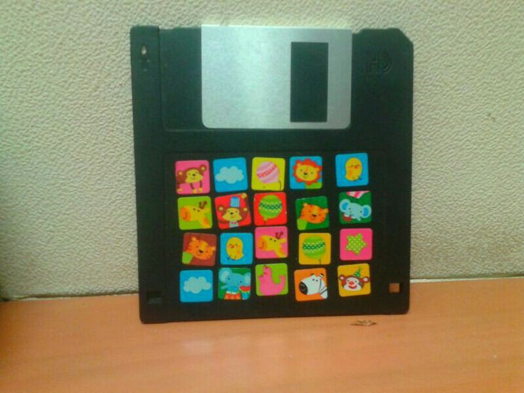 Good old floppy dint want to throw it away so just added some stickers n its a deco on my desk