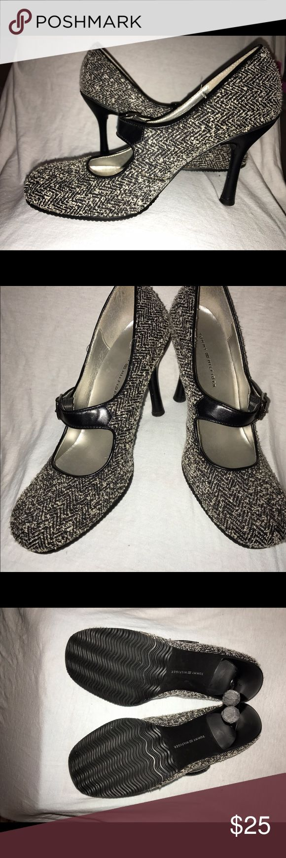 """Tommy Hilfiger Mary Jane SZ 7 Gently Worn! Tommy Hilfiger Mary Jane SZ 7 Gently Worn w no signs of wear on top of shoes or soles w only visible signs on heels! This is a fabric/tweed type material. Round toe makes it extremely comfortable 4"""" heel with grip soles! Great w a sweater! Tommy Hilfiger Shoes Heels"""